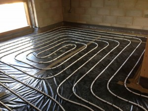 Pipe and staples underfloor heating system